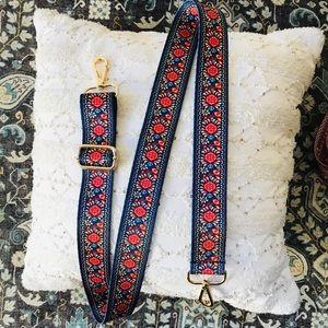 Handbag strap replacement